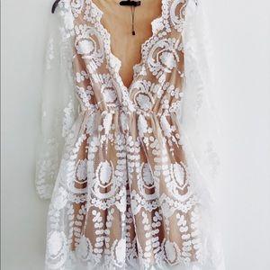 Dresses & Skirts - Nude Lace Dress